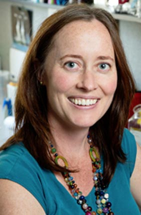 Alison Bell receives Animal Behavior Society Young Investigator Award