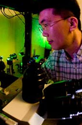Cellular Decision Making in Cancer Theme Leader Taekjip Ha has been awarded the 2011 Ho-Am Prize in Science by the Ho-Am Foundation in Korea.