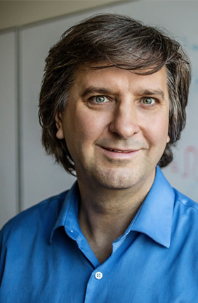 Professor of Bioengineering and Physics Sergei Maslov is a member of the IGB's Biocomplexity research theme