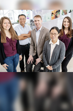 A University of Illinois team developed a web app that can identify drug compounds that will accumulate in Gram-negative bacteria, overcoming a major hurdle in the development of new drugs to kill these dangerous pathogens. The team includes, from left, graduate student Emily Geddes, pathobiology professor Gee Lau, chemistry professor Paul Hergenrother, postdoctoral researcher Hyang Yeon Lee, and postdoctoral researcher Erica Parker.