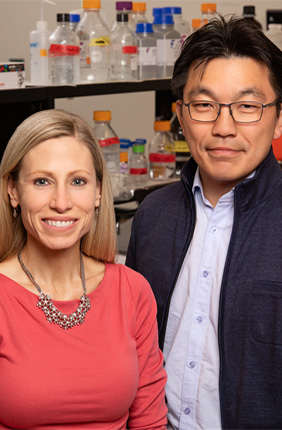 Illinois professors Marni Boppart and Hyunjoon Kong collaborated on the study.