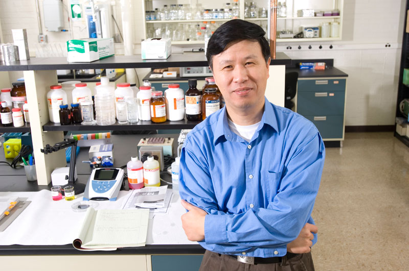 Professor Ning Wang led a team that found the precise combination of mechanical forces, chemistry and timing to help stem cells differentiate into three germ layers, the first step toward developing specialized tissues and organs.