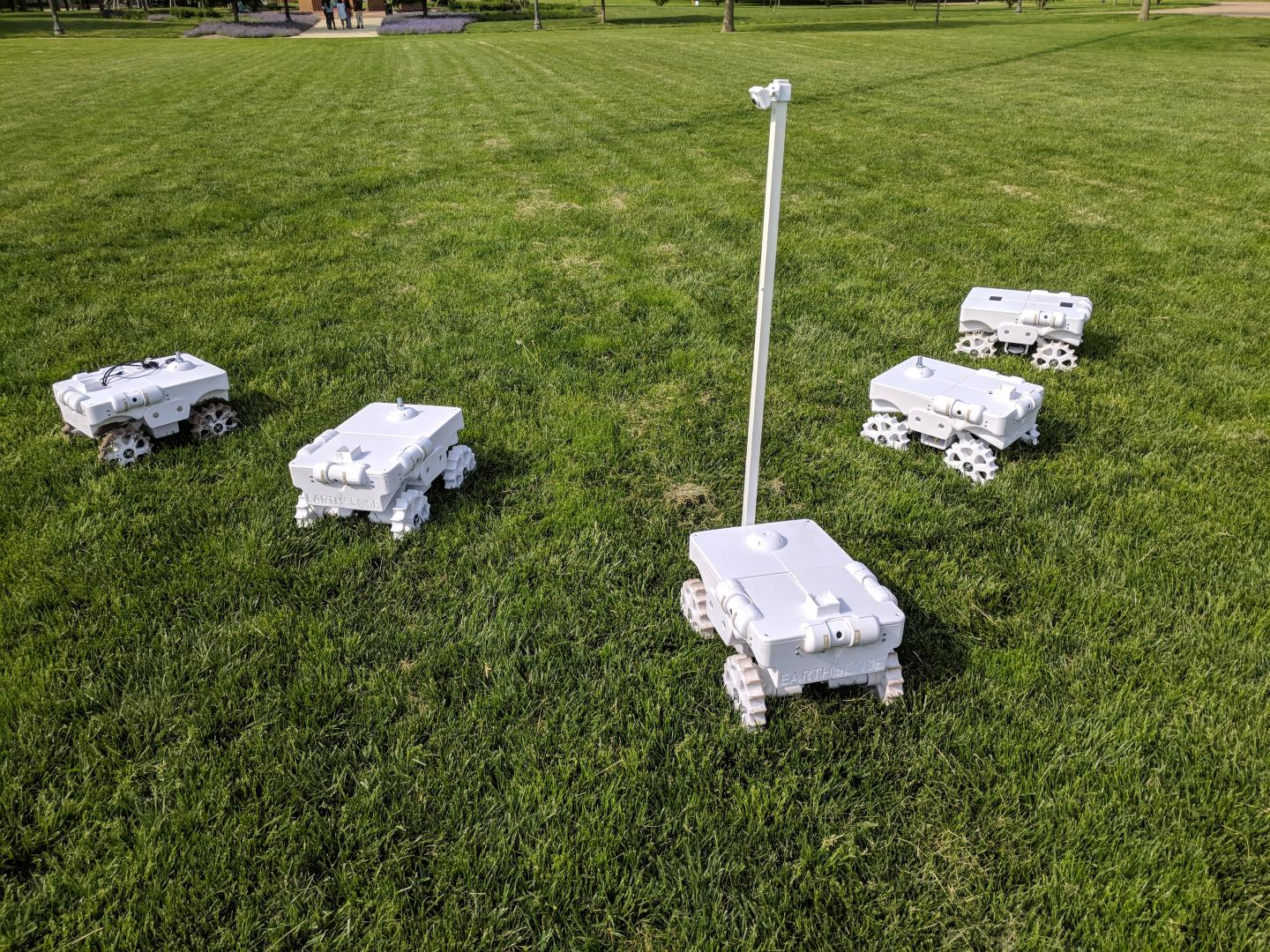 Developed by the University of Illinois, the TerraSentia robot that autonomously monitors crops earned the best systems paper award at Robotics: Science and Systems, the preeminent robotics conference held in Pittsburgh.
